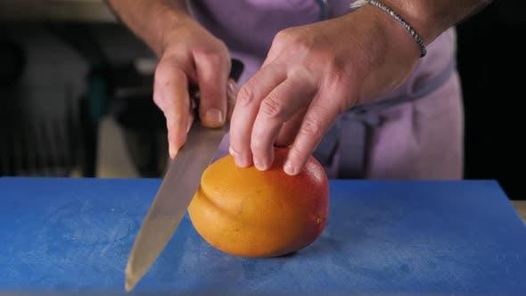 Dividing the Mango Slices