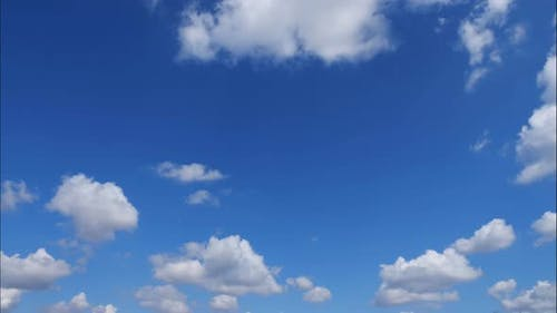 Time Lapse Clouds, Fast Rolling Puffy Clouds Are Moving, White Lightness Clouds Timelapse