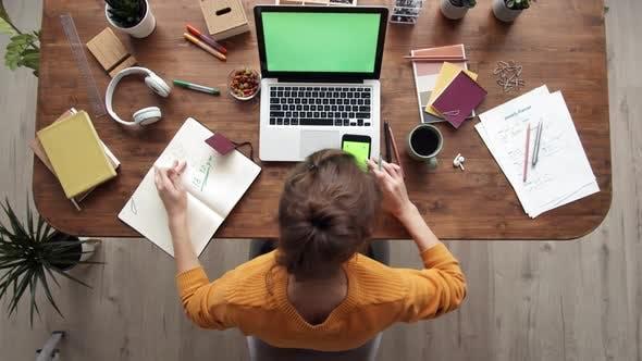 Thumbnail for Beschäftigter Arbeitstag im Büro