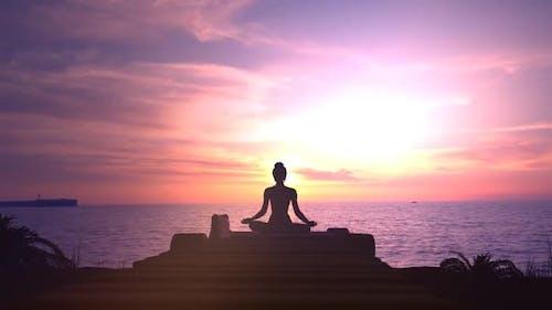 Meditation At Sunset In The Ocean 4K
