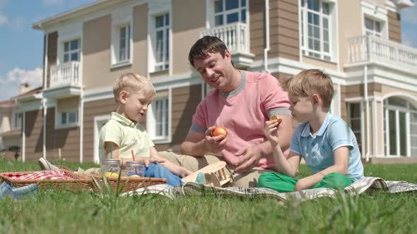 Cover Image for Father and Kids on a Picnic