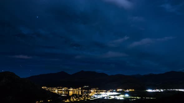 Thumbnail for Queenstown cloudscapes at night