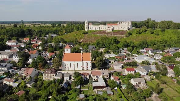 Thumbnail for Renaissance castle in the small town of Janowiec