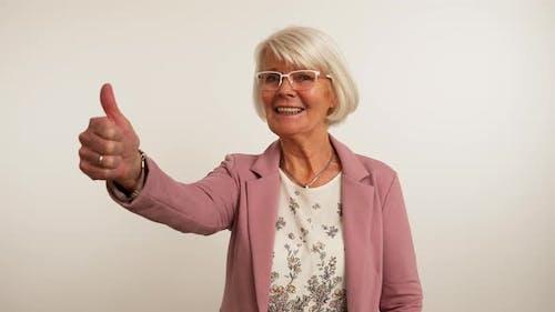 Thumbs Up Granny