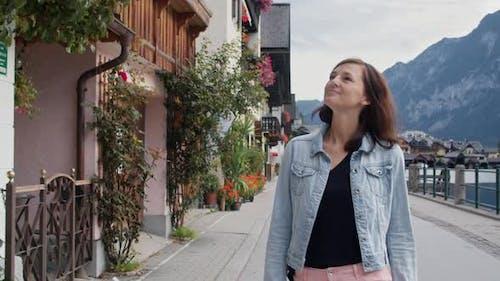Walk on the Embankment of Hallstatt