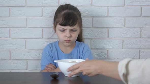 Eat porridge with mum.