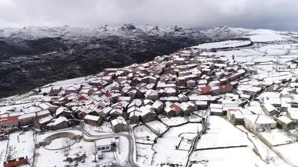 Thumbnail for Schönes Dorf Von Portugal Winter Zeit
