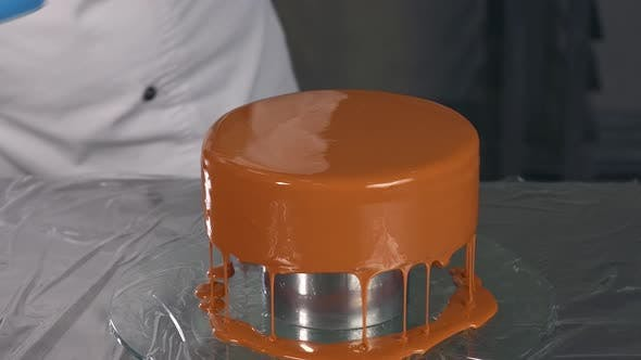 Cake with Caramel Icing