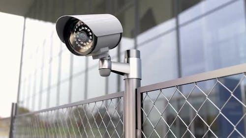 Sicherheitskamera und Chainlink Fence in der Sperrzone und in der verbotenen Zone