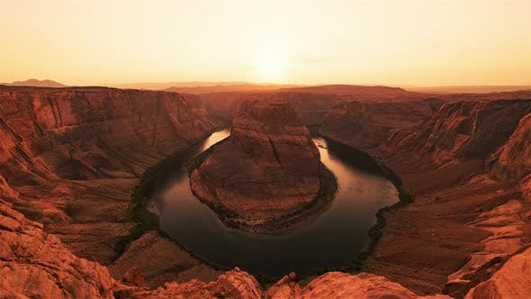 Horseshoe Bend USA   The Iconic site from Day to Night