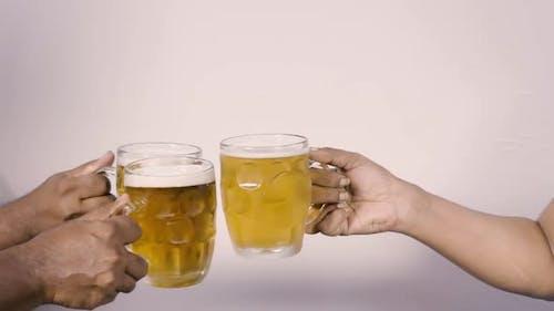 Beer Mug Toast in SloMo
