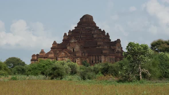 Thumbnail for Time lapse from the Dhammayan Gyi Temple in Bagan