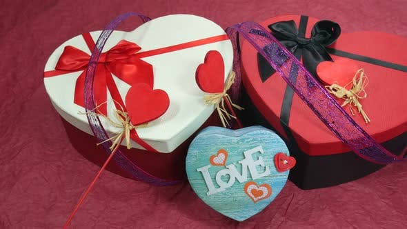 Thumbnail for Beautiful Gifts For Valentine's Day