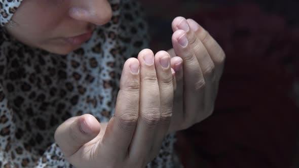 Thumbnail for Close Up of Muslim Women Hand Praying.