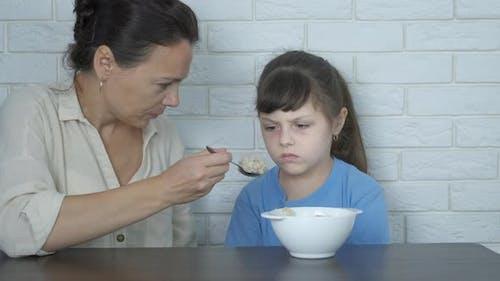 Füttern mit Brei