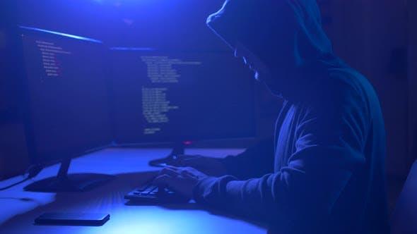 Thumbnail for Hacker mit Computervirus für Cyber Attack