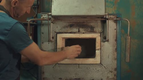 Man Puts a Jag in a Clay Oven