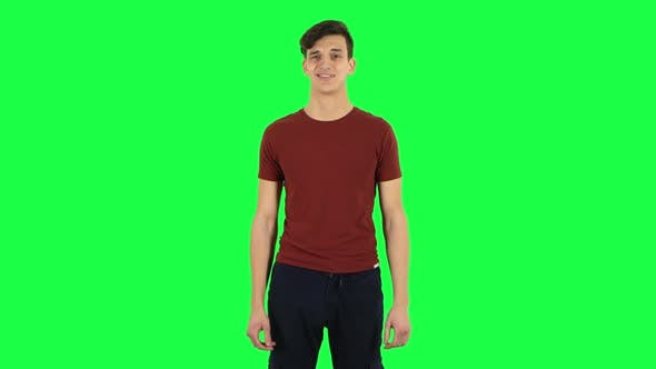 Cover Image for Guy Negatively Waving His Head. Green Screen